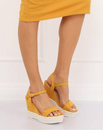 Sandale cu toc culoarea galben 131059